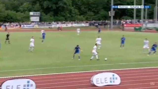 Schalke ganhou por 19 golos, mas é erro do guarda-redes que corre mundo