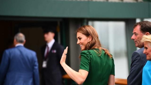 Kate Middleton deslumbra com visual elegante em Torneio de Wimbledon