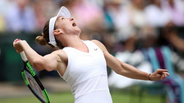 Halep conquista Wimbledon após 'destruir' Serena à velocidade da luz
