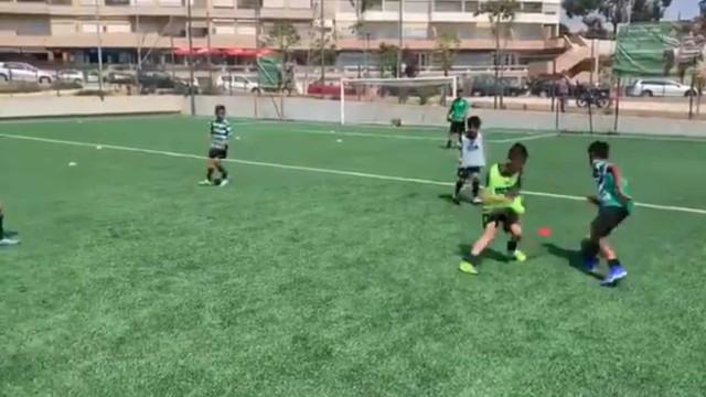 Filho de Cristiano Ronaldo dá 'show' com a camisola do Sporting
