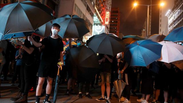 """China """"não vai ficar de braços cruzados"""" se situação se descontrolar"""