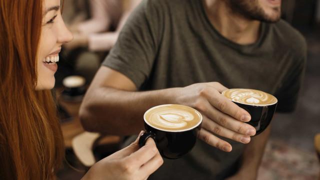 O leitor perguntou: A que horas devo beber o último café do dia?