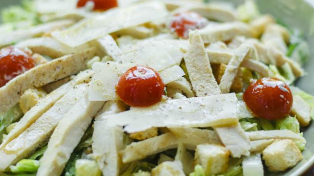 As saladas da Doca de Santo são o prato perfeito para este verão