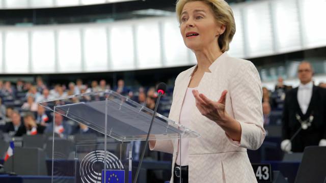 Eurodeputados aprovam Von der Leyen como presidente da Comissão Europeia