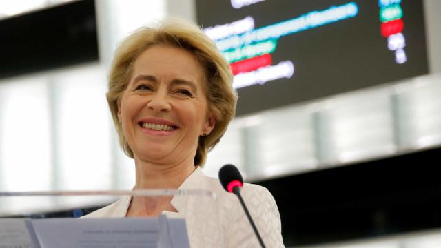 Quem é Ursula Von der Leyen, a mulher aos comandos da Comissão Europeia?