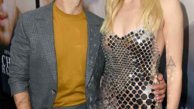 """Nomeação de Sophie Turner aos Emmy deixa Joe Jonas """"muito orgulhoso"""""""