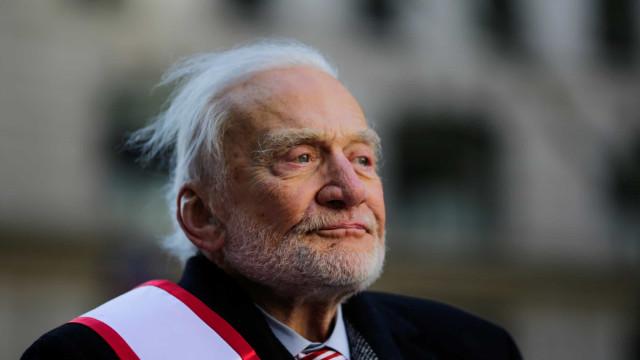 """""""Desolação magnífica"""". Buzz Aldrin recorda chegada à Lua"""