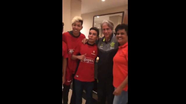 O gesto de Jorge Jesus que 'encantou' os adeptos do Flamengo