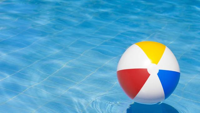 Menina de seis anos em estado grave após afogamento em piscina