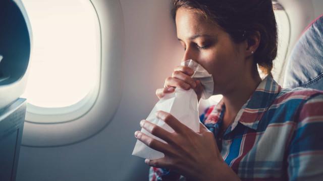 Boas férias... os seis maiores riscos para a saúde ao viajar de avião
