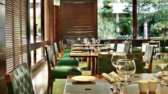 Marriott international dá 1€ por cada almoço e jantar