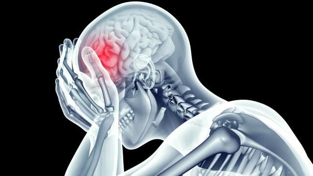 Nove sinais de cancro na cabeça que podem surpreendê-lo e sete causas