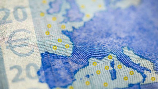 """Apoio ao euro e à União Económica e Monetária """"atinge novo recorde"""""""