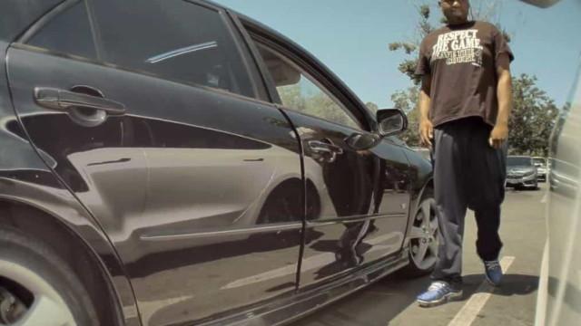 Dono de Tesla partilha vídeo de tentativa de assalto ao carro
