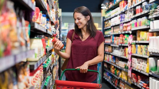 Sabe ler os rótulos dos alimentos? Estas dicas vão ajudá-lo