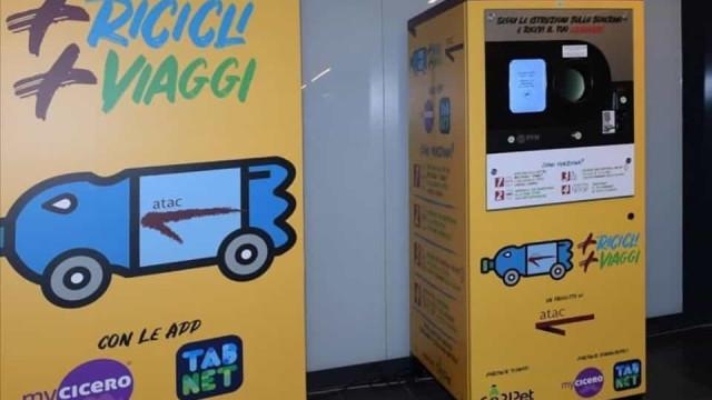 Reciclar garrafas de plástico vale bilhetes de autocarro e metro em Roma