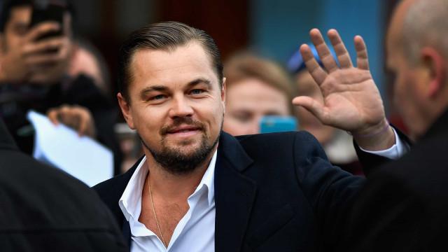 O dia em que Leonardo DiCaprio levou uma 'tampa'. Atriz arrepende-se