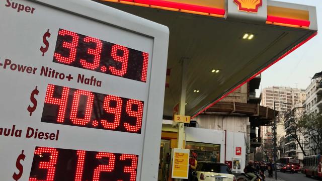 Argentina congela preço do combustível por 90 dias