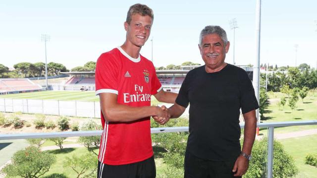 Benfica renova com mais um jovem da formação