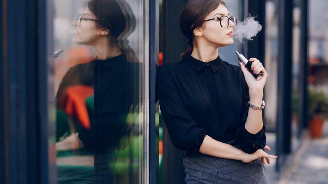 """""""O uso de cigarros electrónicos é perigoso e não é recomendado"""""""