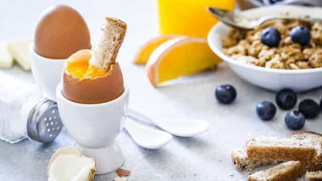 Comer este número de ovos por semana melhora raciocínio e memória