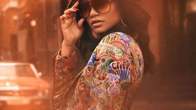 Zendaya dá vida ao legado cool e clássico da nova coleção da Tommy