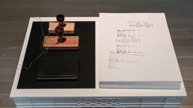 Luis Camnitzer apresenta primeira exposição individual em Portugal