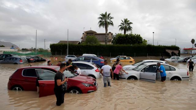 São já cinco os mortos em consequência do temporal em Espanha