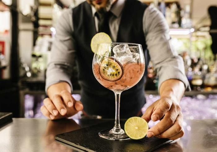Vai um cocktail? A semana deles começa hoje