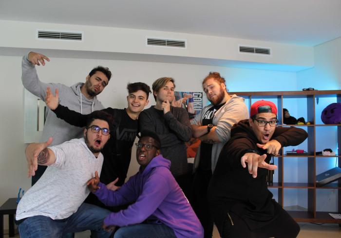 Estivemos na mansão onde vivem sete dos maiores youtubers portugueses