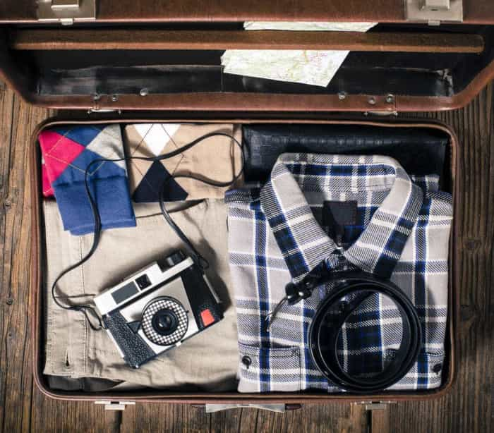 As 12 coisas que nunca podem faltar na sua mala de viagem