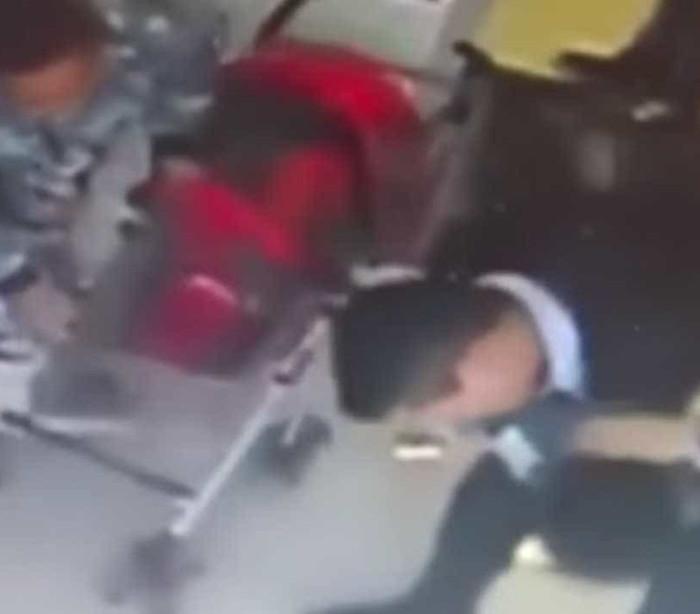 Polícia salvou vida de criança dias após o seu filho ter morrido