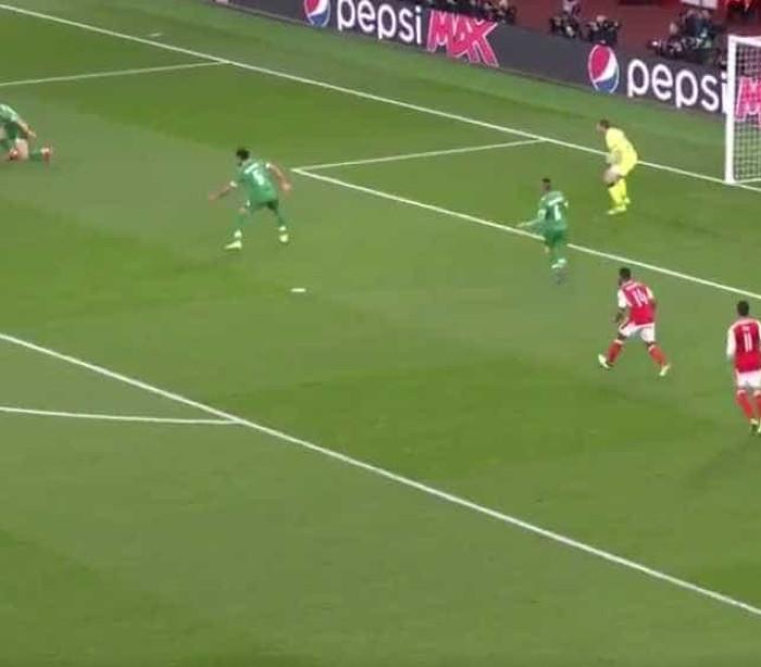 Alexis Sanchéz tira um 'coelho da cartola' frente ao Ludogorets