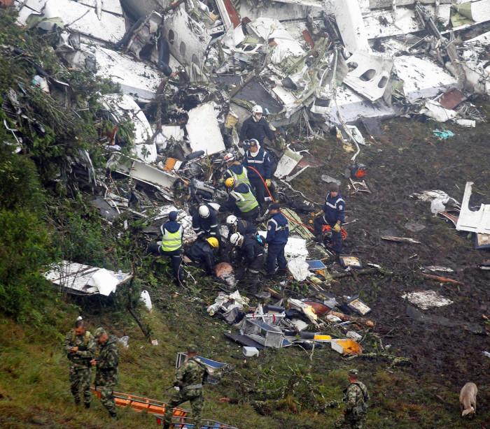 Autoridades confirmam seis sobreviventes do acidente aéreo na Colômbia