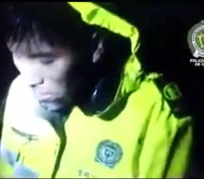 No momento do resgate, tripulante sobrevivente grita nome dos colegas