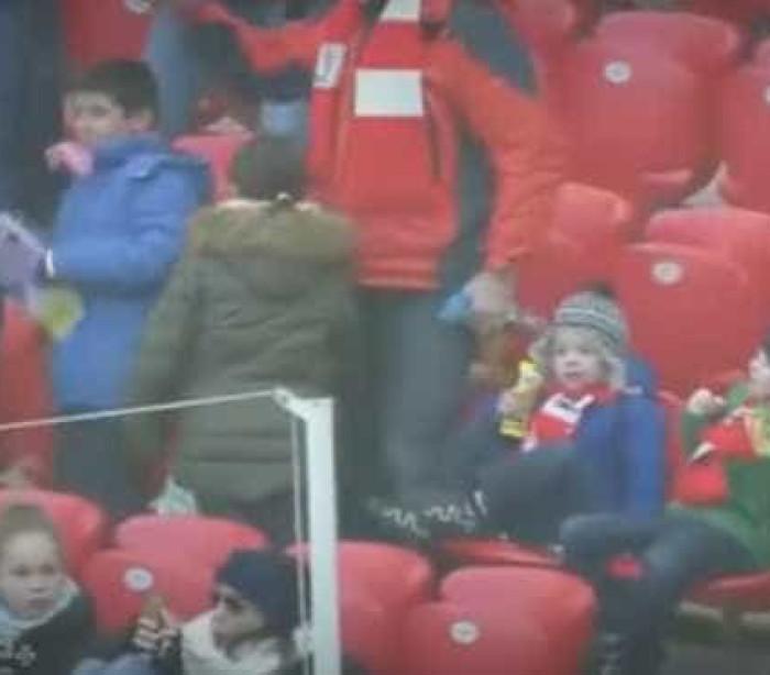 Lembra-se de Deyverson? Encantou Espanha com gesto com criança
