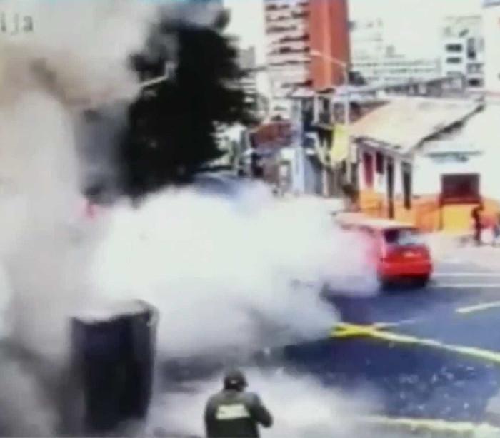 Policial morre em explosão no centro de Bogotá