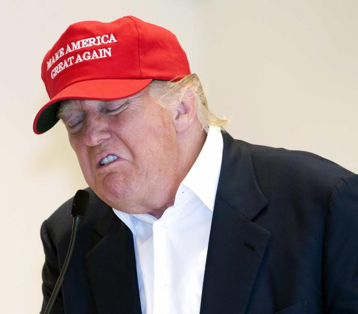 Um Trump desconfortável que não escapou às maldades da internet