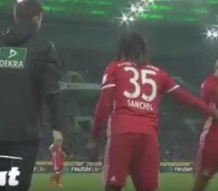 Robben irrita-se com substituição e quem paga é Renato Sanches