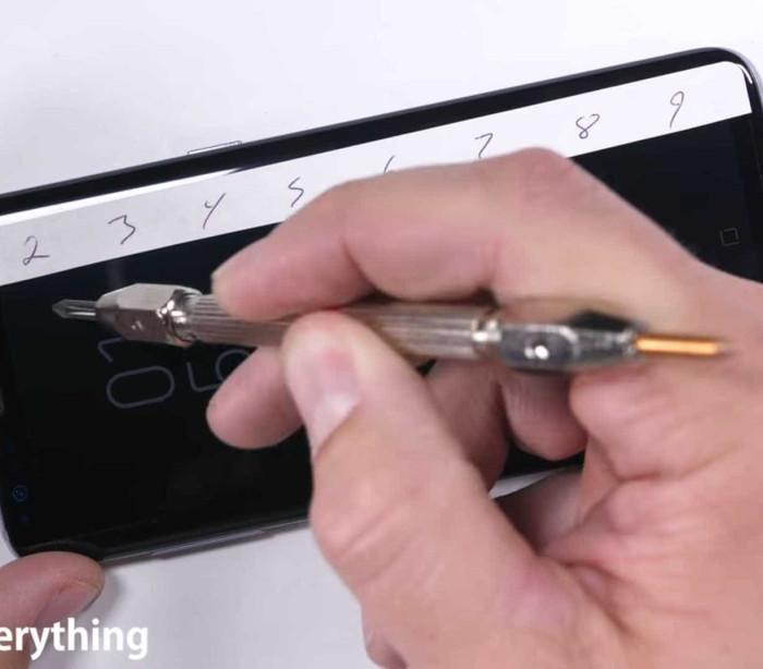 Não será fácil estragar o Galaxy S8. Veja o teste