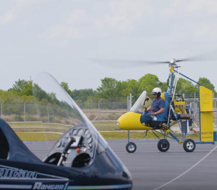 O homem que constrói aeronaves à mão e fá-las voar