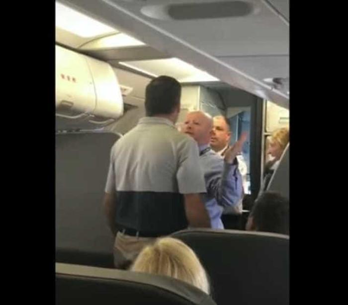 Passageira com bebé ao colo agredida ao entrar num avião