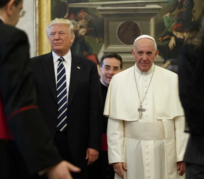 O olhar que Francisco lançou a Trump e outros momentos para a posteridade