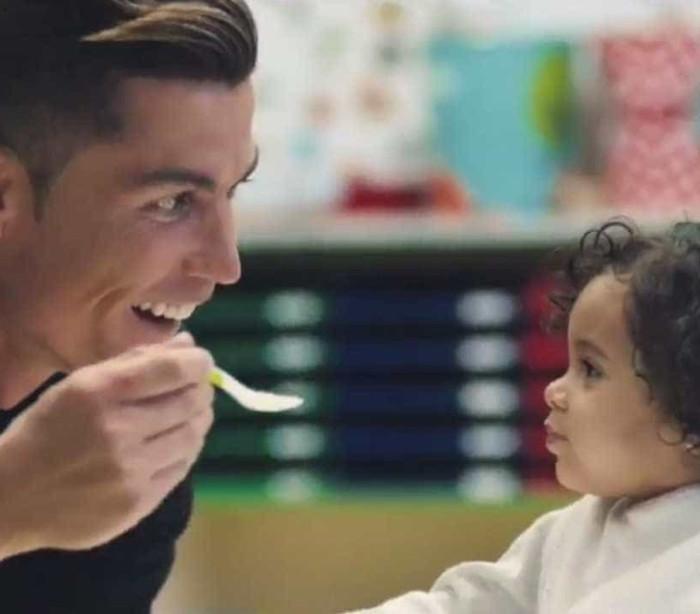 Cristiano Ronaldo faz campanha para marca egípcia