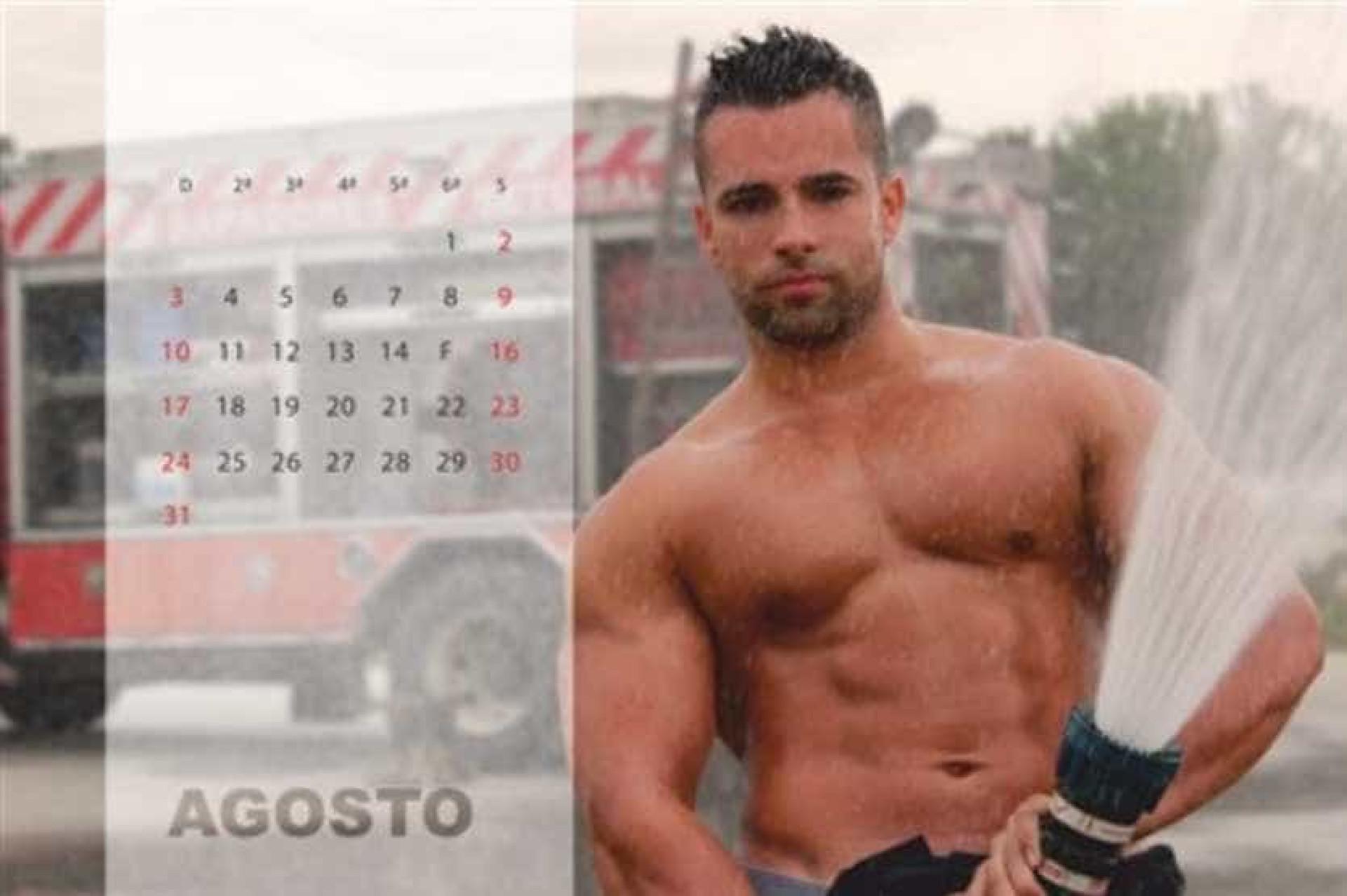 Calendário para beneficência em que bombeiros portugueses são estrelas