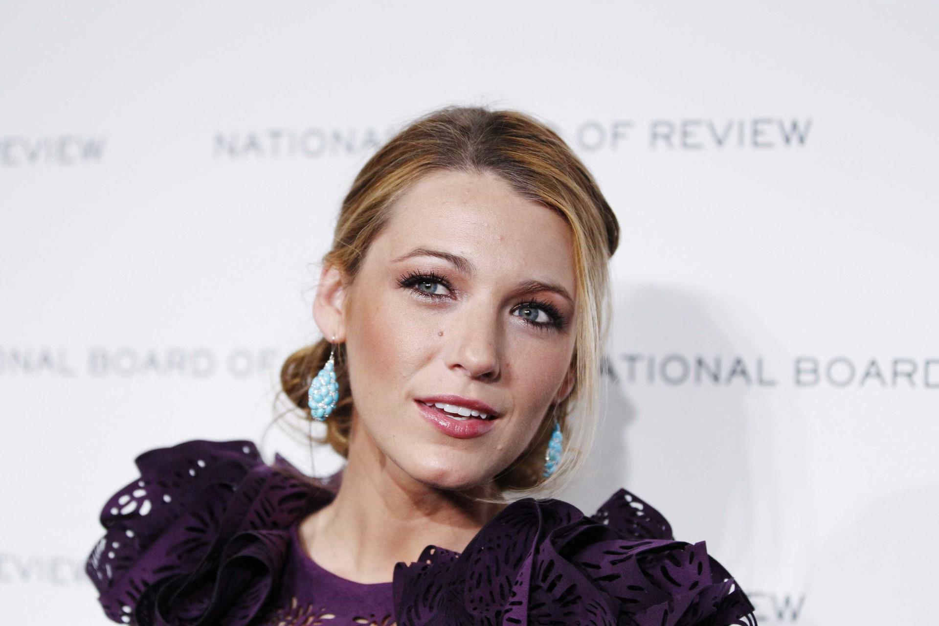 Esta atriz diz que bebeu o leite materno de Blake Lively