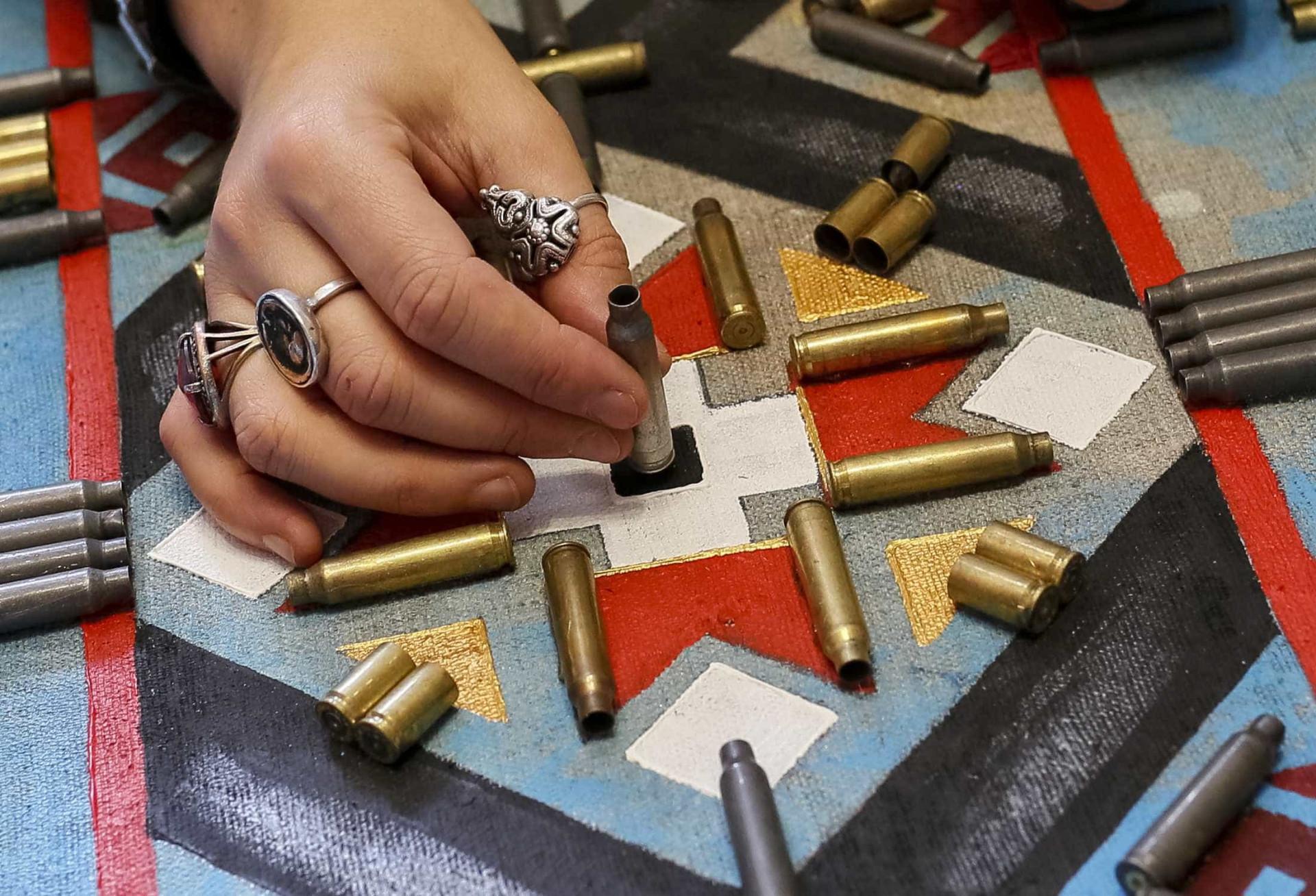Cinco mil cartuchos retratam 'O Rosto da Guerra'
