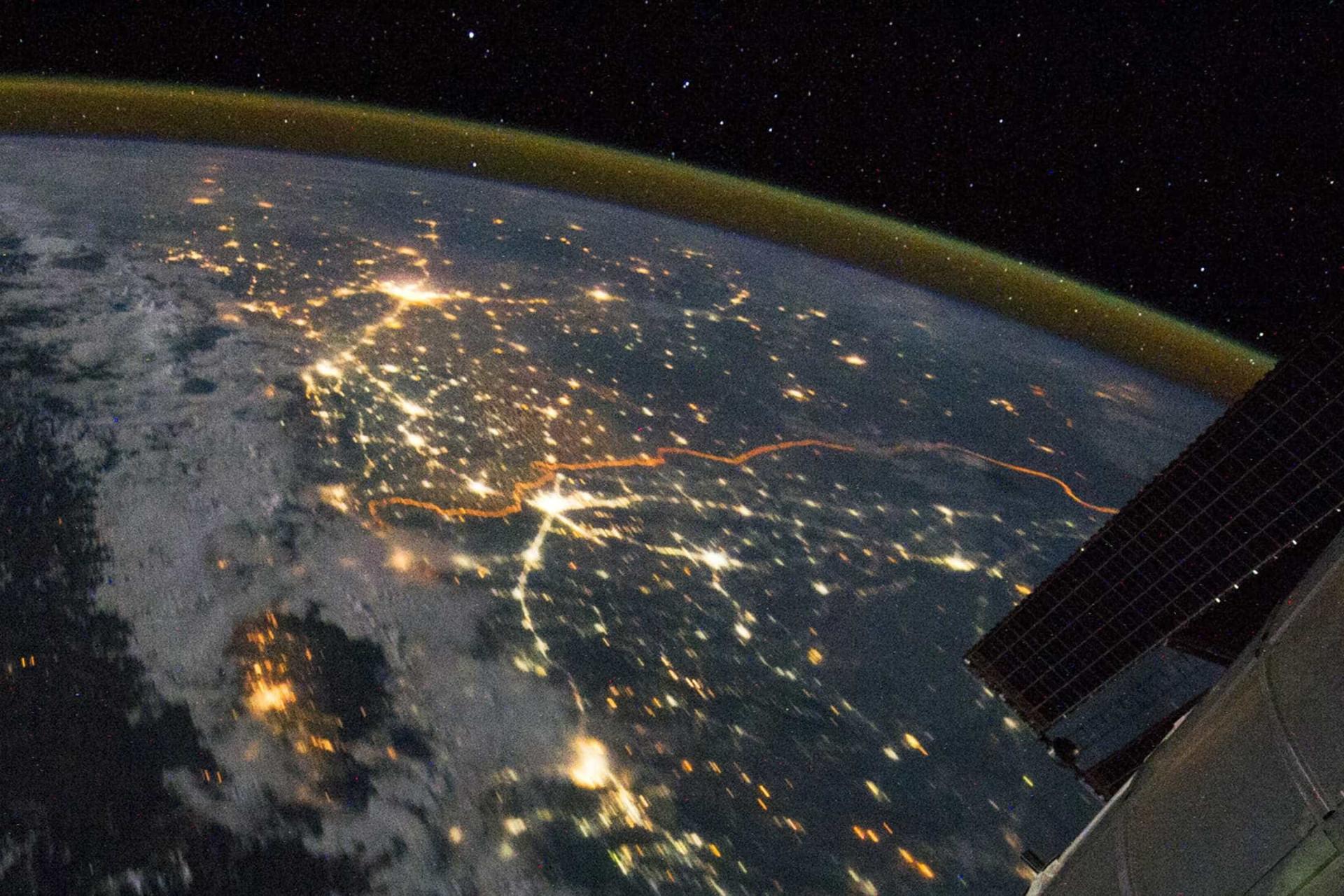 Veja o espaço a partir da estação espacial internacional