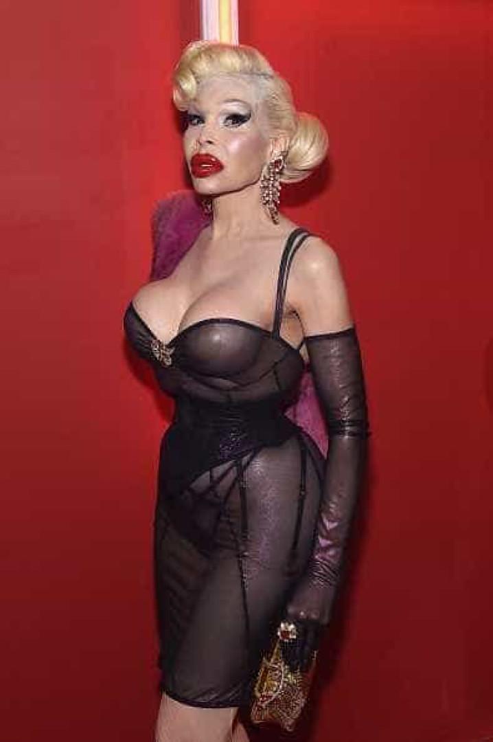 Sabia que estas celebridades mudaram de sexo?