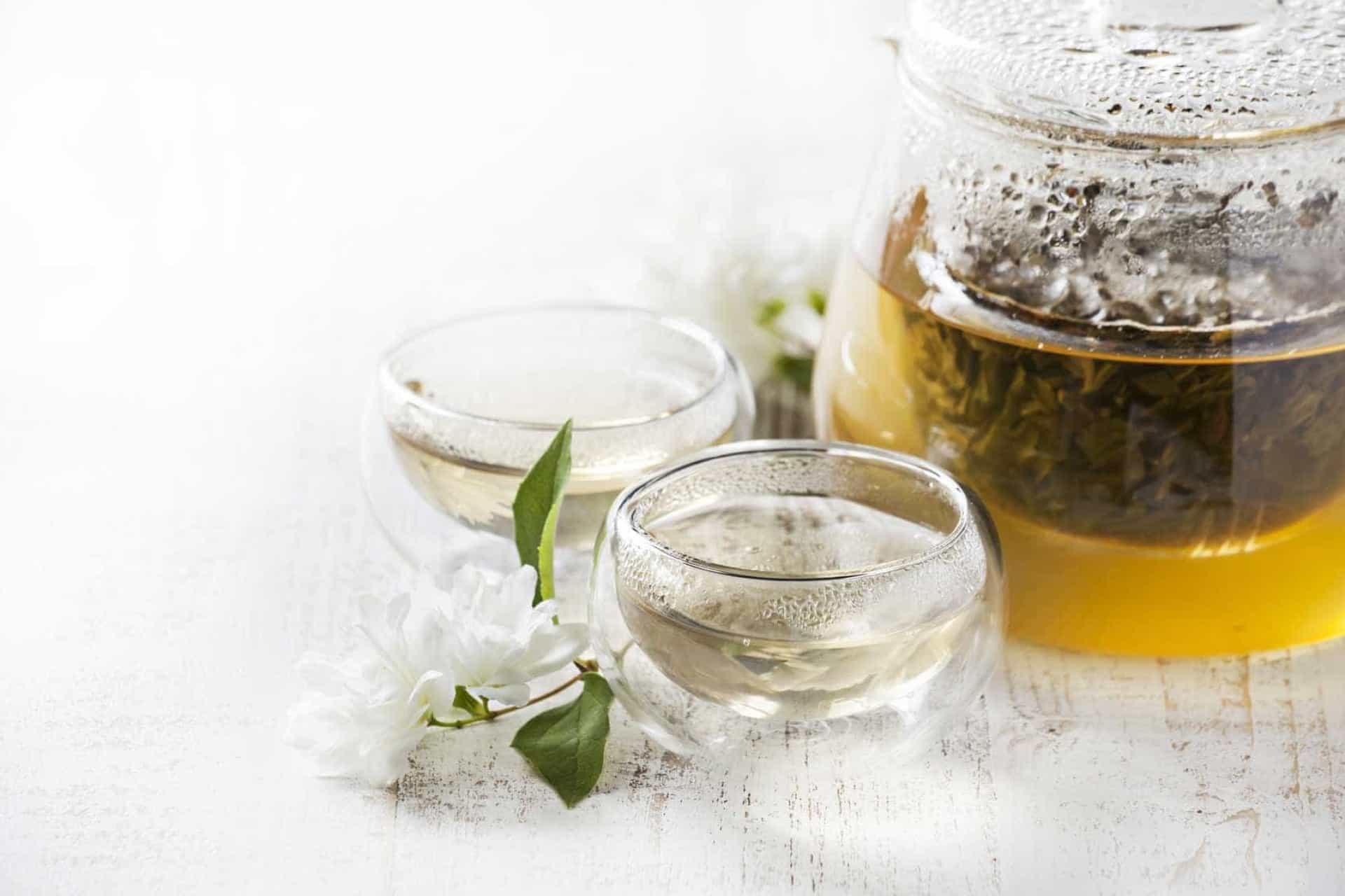 O que acontece quando se bebe chá verde todos os dias durante um mês?